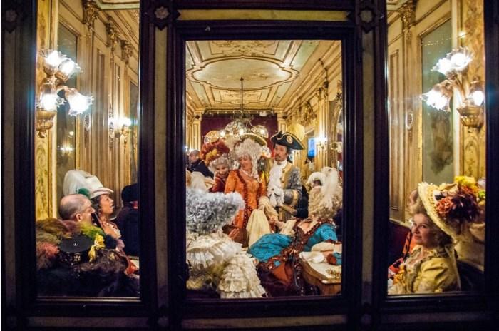 Венецианский карнавал. Автор: Jodi Cobb.
