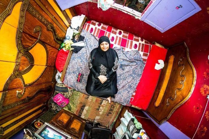 Каир, Египет: Азза, 19-летняя домохозяйка. Автор: John Thackwray.