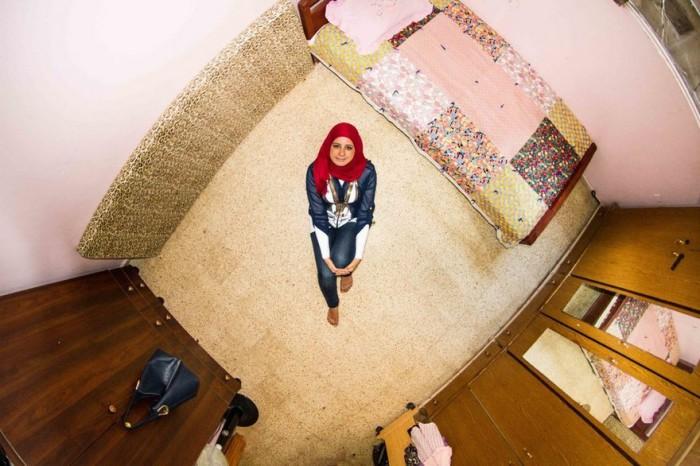 Бейрут, Ливан: Сабрина, 27-летняя воспитательница. Автор: John Thackwray.