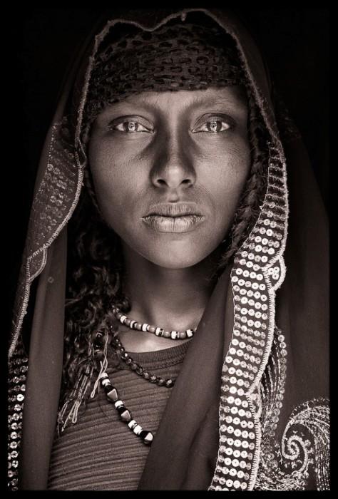 Портрет африканской женщины. Автор: John Kenny.