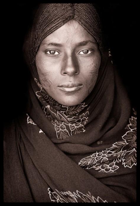 Красота племенных жителей. Автор: John Kenny.