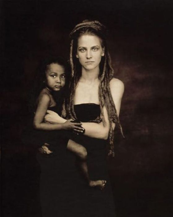 Материнская любовь не знает границ... Автор фото: Джойс Теннесон (Joyce Tenneson).