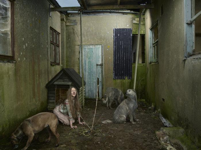 Девочка шесть лет провела на улице, живя в собачьей конуре. Оксана Малая, Украина, 1991 год.