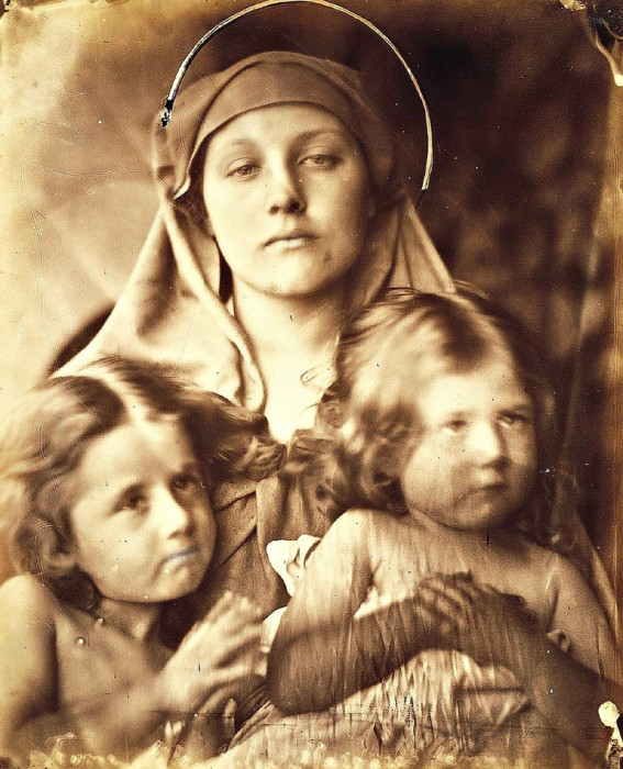 Мать. Автор: Julia Margaret Cameron.