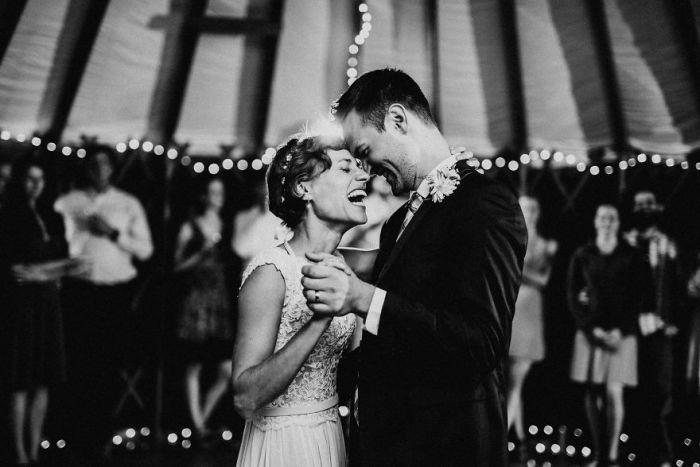 Свадебный танец. Автор: Katie Forbis.