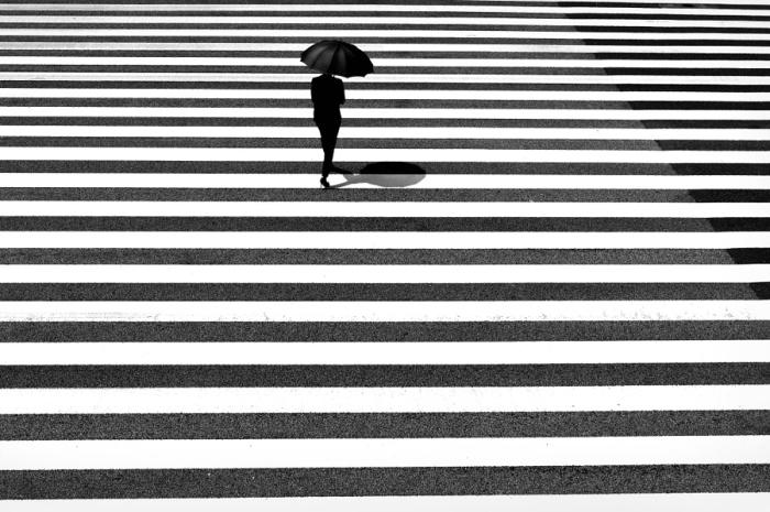 Искусство дорожной поверхностности. Автор фото: Джуничи Хакояма (Junichi Hakoyama).