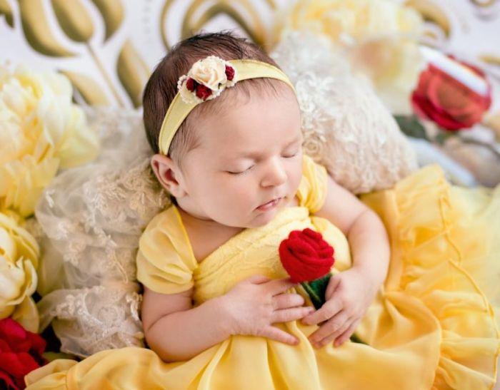 Малышка Белль из Красавицы и Чудовища. Автор: Karen Marie.