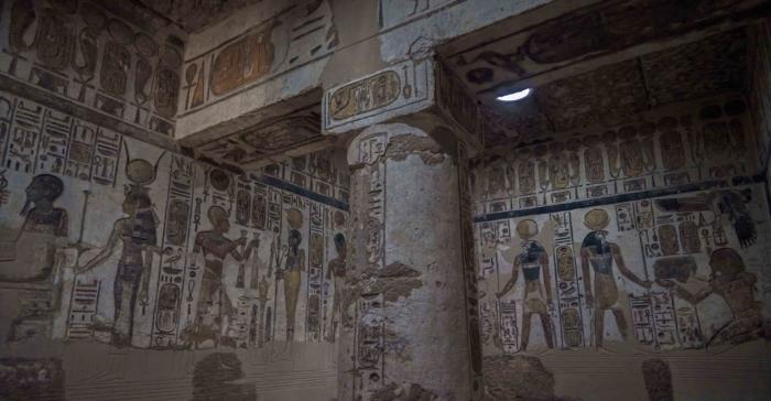 Работа была проделана 59 служителями-реставраторами, которые восстановили подобные залы, а также одну из четырёх часовен в храме.
