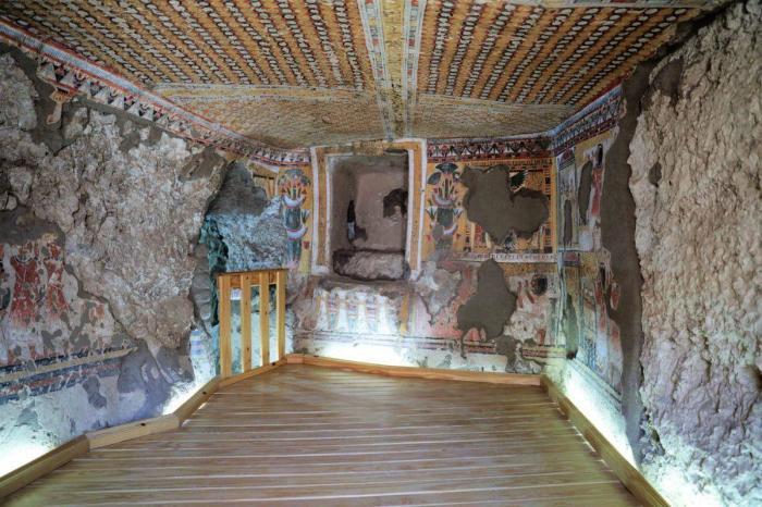 Гробницы в храме Кхонсу в Карнаке были восстановлены и открыты для посетителей.