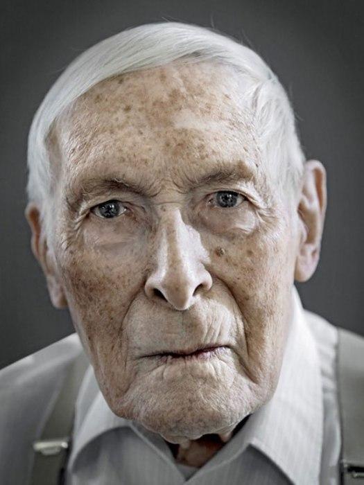 Уолтер Вайнманн. Дата рождения: 22 августа 1909 года.