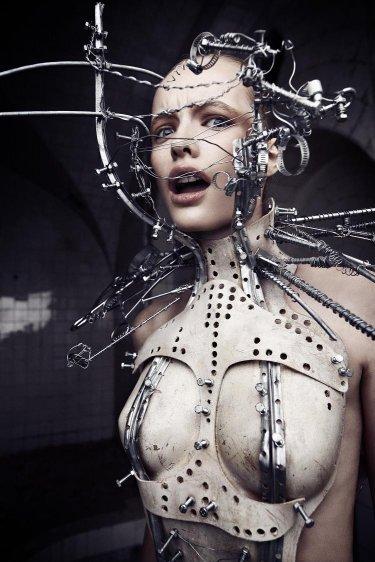 Костюм. Автор работ: дизайнер-модельер Катажина Конежка (Katarzyna Konieczka).