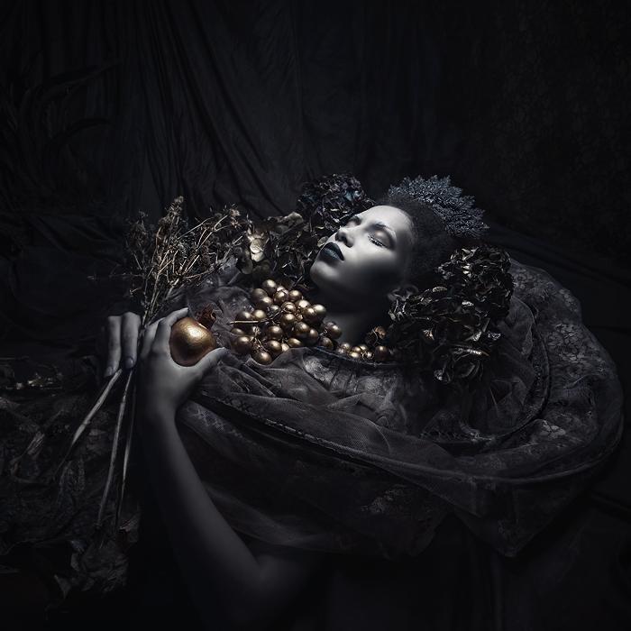 Платье и головной убор. Автор работ: дизайнер-модельер Катажина Конежка (Katarzyna Konieczka).