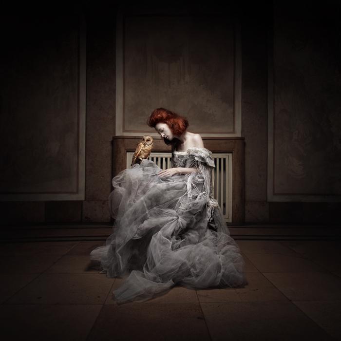 Серо-белое платье. Автор работ: дизайнер-модельер Катажина Конежка (Katarzyna Konieczka).
