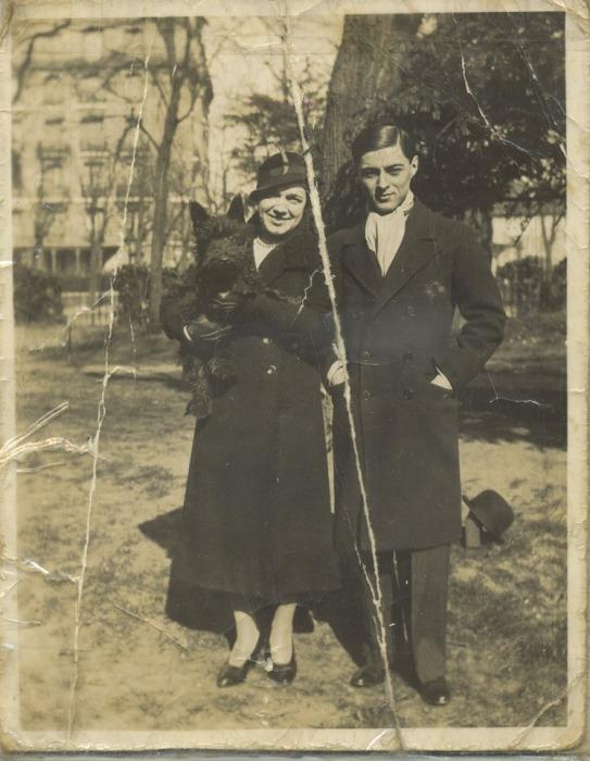 Екатерина Десницкая с сыном Чулой и своим любимым пёсиком, Франция. \ Фото: google.com.