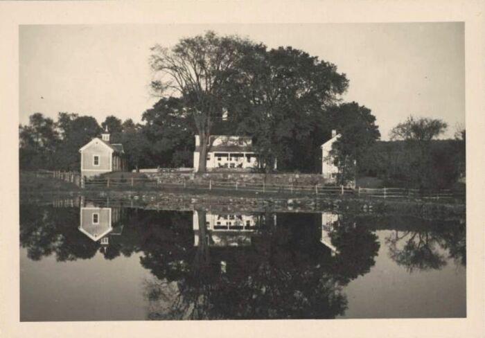 Дом Кей Сейдж и Ива Танги в Вудбери, штат Коннектикут. \ Фото: si.edu.