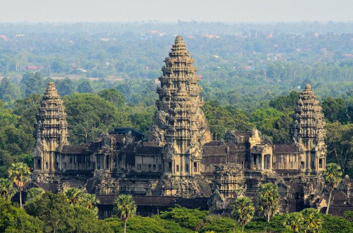 Ангкор-Ват, крупнейший религиозный памятник в мире и символ Кхмерской империи. \ Фото: nytimes.com.