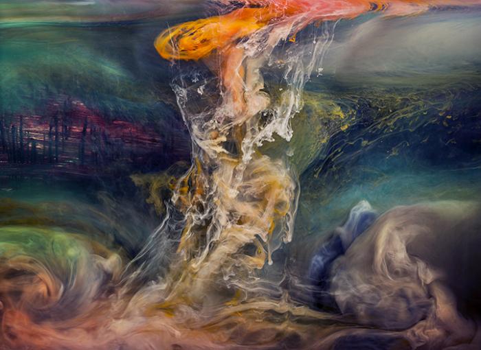 Красочный взрыв. Автор: Kim Keever.