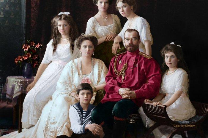 Царь Миклош и его семья, 1914 год. Автор: Ольга Ширнина.