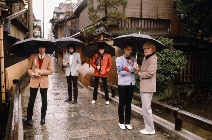 Британская группа «Japan» в дождливый день в Киото, февраль 1981 года. Автор: Koh Hasebe.