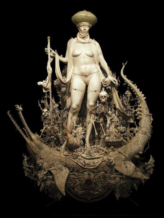 Скульптор создает детализированные скульптуры в стиле Босха, забыть которые невозможно
