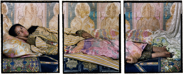 Каллиграфическая роспись. Автор работ: марокканская художница Лала Эссаиди (Lalla Essaydi).