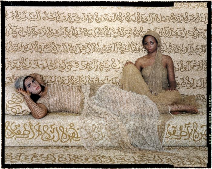 Женщины востока. Автор работ: марокканская художница Лала Эссаиди (Lalla Essaydi).