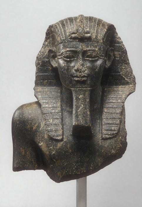 Бюст Псамтика I, Династия 26, 664-610 до н. э. \ Фото: metmuseum.org.