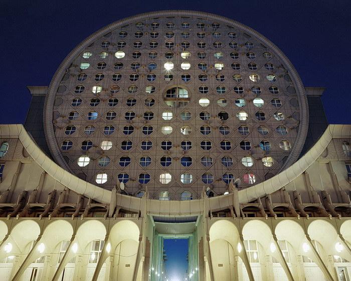 Жилоё здание, Париж. Автор фото:  Лорен Кроненталь (Laurent Kronental).