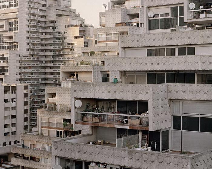 Жилые комплексы Парижа, построенные в далёкие 1950-1980 годы. Автор фото: Лорен Кроненталь (Laurent Kronental).
