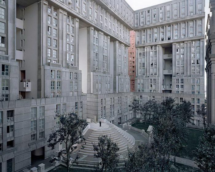 Тихие гиганты, или жилые комплексы Парижа в фотографиях Лорена Кроненталь (Laurent Kronental).