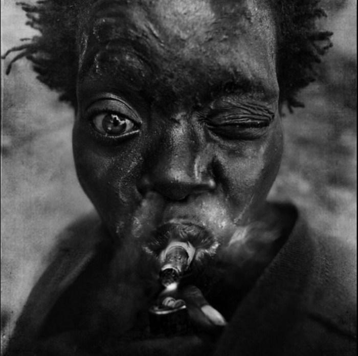Курить...  Автор работ: фотограф Ли Джеффрис (Lee Jeffries).
