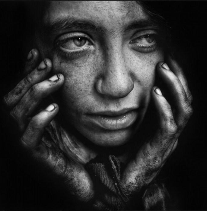 Надежда и вера.  Автор работ: фотограф Ли Джеффрис (Lee Jeffries).