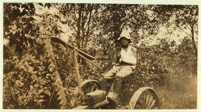 12-летний мальчик без руки. Автор фото: Льюис Хайн (Lewis Hine).