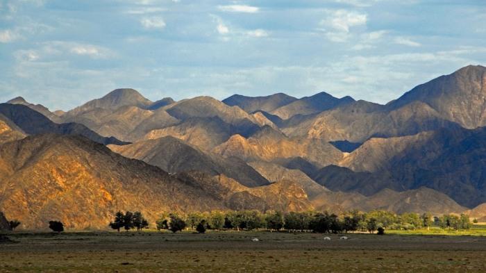 Горы Западной Монголии. \ Фото: nationalmemo.com.