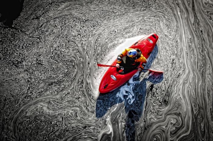 Черная вода. Автор фото: Lucas Gilman.