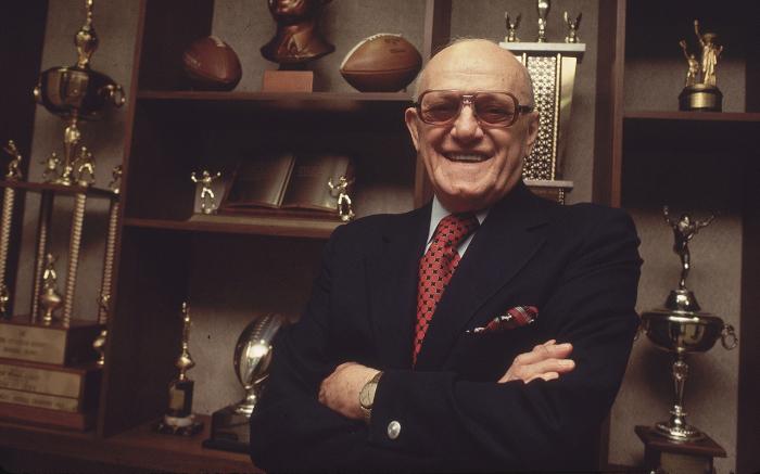 Основатель и полноправный владелец «Chicago Bears». \ Фото: si.com.
