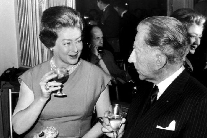 Миллиардер поощрял драки среди своих многочисленных любовниц. \ Фото: yahoo.com.