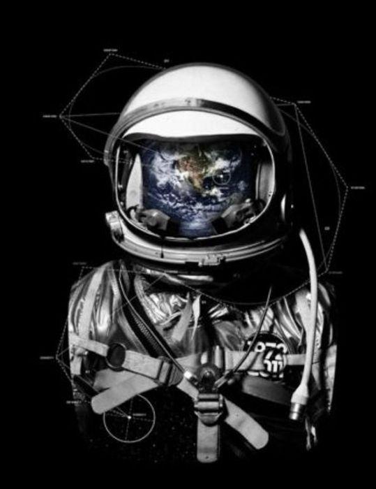 Космонавт. Автор: Lukas Brezak.