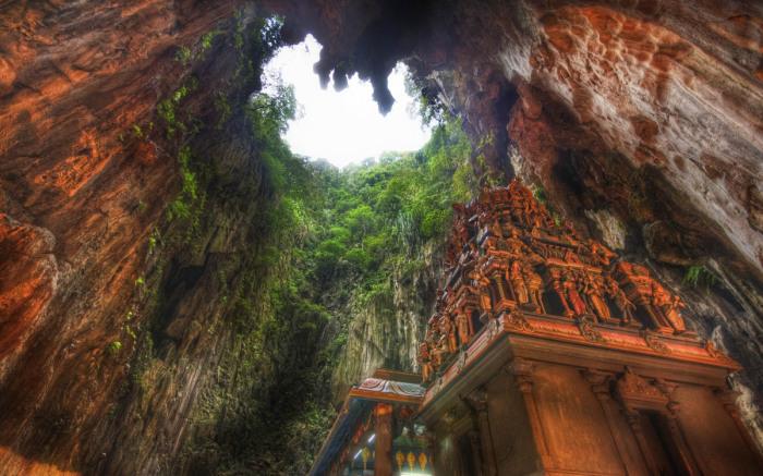 Пещеры Бату. Малайзия.
