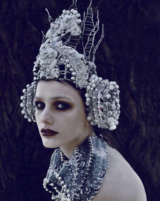 Необычные наряды, ломающие стереотипы. Автор: Marcin Nagraba.