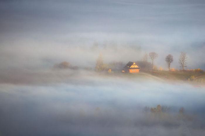 Wooden hut. (Деревянная хижина). Бескиды, Польша. Фото Marcin Sobas.