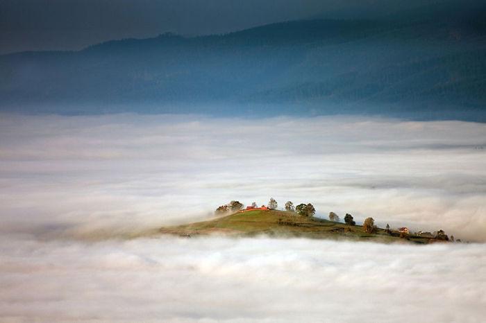The Island. (Остров). Бескиды, Польша. Фото Marcin Sobas.
