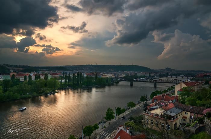 Закат, предвещающий бурю (Stormy Sunset). Автор фото: Марек Киевски (Marek Kijevsky).