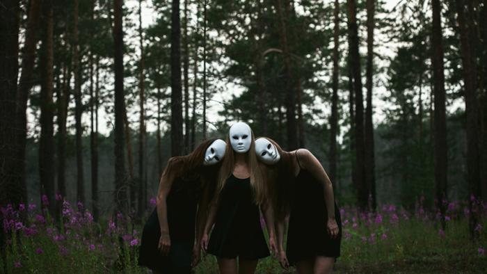 Безмолвные лики. Автор: Mari Nino.