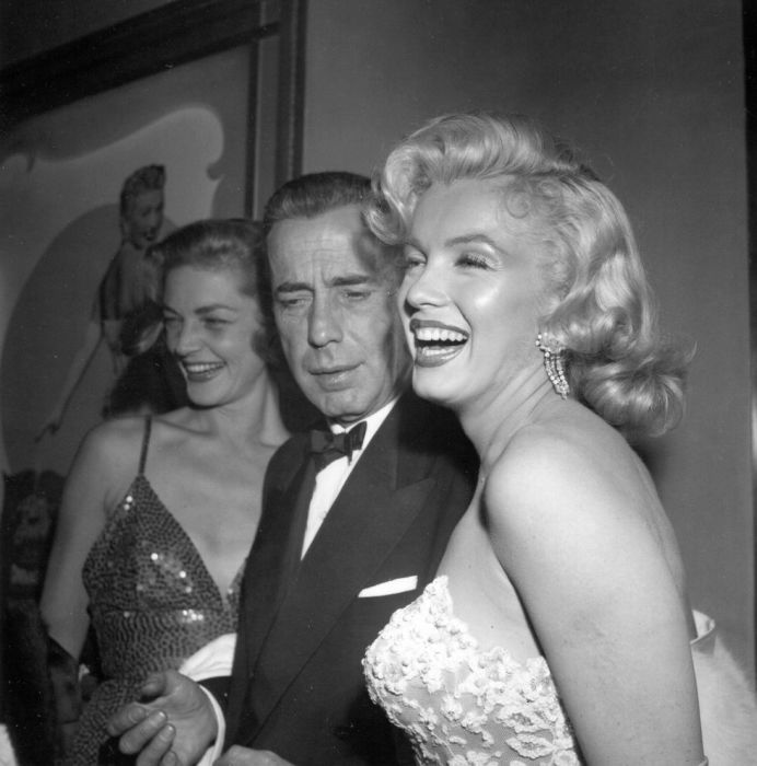На премьере Как выйти замуж за миллионера, 1953 год. \ Фото: http:// stationgossip.com.