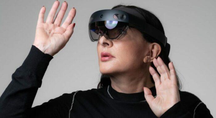 Марина Абрамович, виртуальная реальность в сотрудничестве с Microsoft, 2019 год. \ Фото: ismorbo.com.