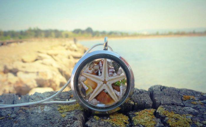 Серебряный медальон от Maristella: настоящая морская звезда и ракушки.
