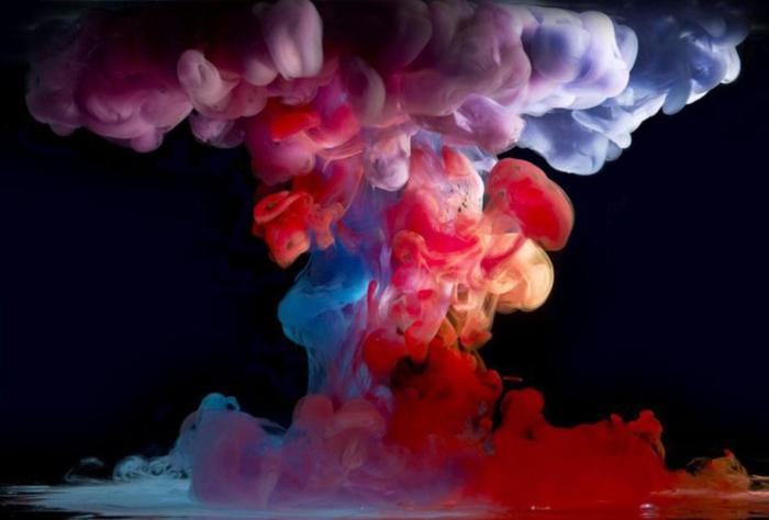 Интерес к фотографиям «Aqueous» даже подтолкнул автора выпустить в будущем книгу, посвященную этим необычным подводным «взрывам» краски.
