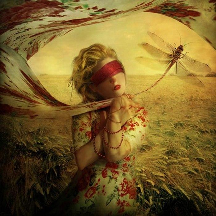 Девушка со стрекозой. Автор: Marta Orlowska.