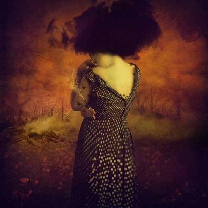 Тот день, когда она сожгла все свои плохие воспоминания. Автор: Marta Orlowska.